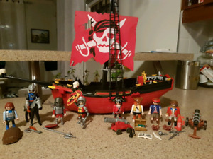 Playmobile bateau pirate