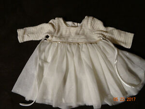 tons of clothes, baby girl 0-24 mo, great condition and brands