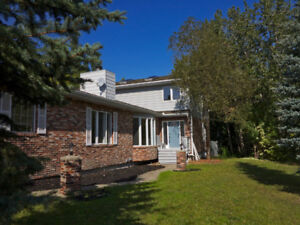 5 Bedroom Family Home Backing Ravine Available $2500 Monthly