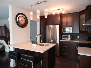 Fully furnished townhouse rental in Vaudreuil 1750$ per month