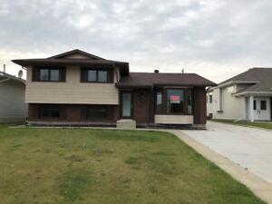 House for sale in Peace River - Saddleback