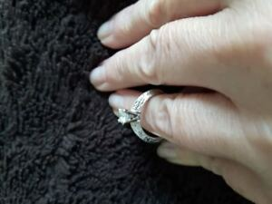 Gorgeous Engagement Ring  ....LOWER PRICE