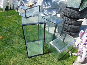 3Aquariums left by old owner of house do not need selling them