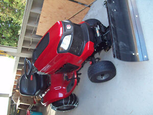 Garden Lawn Tractor with snow blade & accessories, plus cover
