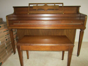 Piano for sale, includes bench $500 OBO Peterborough Peterborough Area image 1