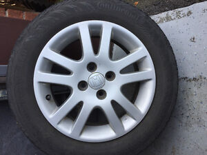 4 Honda alloy mags with tires pneus mags 185 65 R15 all season