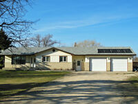 House and 2.55 acres for Sale near Ile des chenes