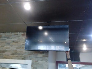 Installation of LED LCD TV bracket is $ 49.99 tv wall mount ing Stratford Kitchener Area image 4