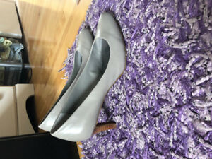 Womens shoes size 8 1/2