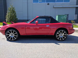 1990 Mazda Miata Mx-5 Automatic (rare), lady driven.