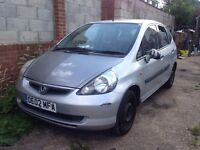 2002 HONDA JAZZ 1.3 PETROL. SILVER. BREAKING FOR SPARES PARTS ONLY.