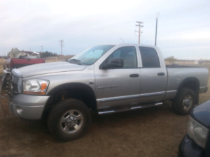 2006 dodge cummins3500 4x4 9000$