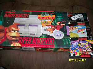 ULTRA RARE DONKEY KONG ACTION SET SNES MINT