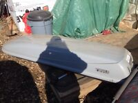 Thule cascade 1100, pelican 16' canoe with paddles