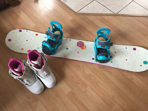 Snowboard - Burton Genie 145cm, Boots & Bindings Included