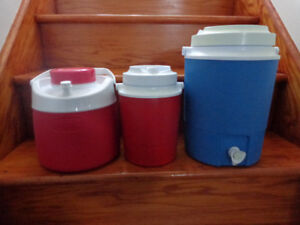 Cruches thermales gourdes Rubbermaid et Thermos
