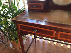 Beautiful Antique English Desk and Chair Peterborough Peterborough Area image 7