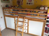 Children's cabin bed