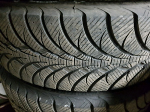 4 pneu GoodYear Ultra Grip Ice  255/70R18