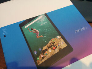 HTC Nexus 9 tablet w/ LTE &WiFi - 32gb, INC magnetic cover
