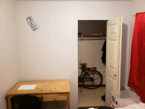 Room available $575 August 1st in Commercial Broadway area