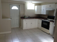 Bright 1 Bedroom Suite in Coquitlam near Loughheed Town Centre!!