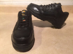 Women's Work Centre Steel Toe Work Shoes Size 6 London Ontario image 1
