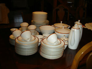 Arzberg Dinnerware set Peterborough Peterborough Area image 2