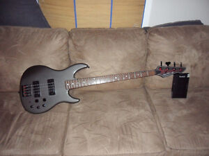 PEAVEY BASS Guitar(sell or trade for Fender Bass or Warwick Bass