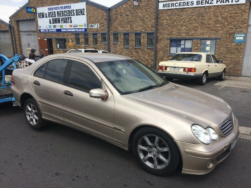 benzo parts now stripping 2006 mercedes benz c180. Black Bedroom Furniture Sets. Home Design Ideas