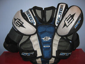 Easton Youth Sz M chest protector