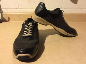 Women's Sport-I-Que Donald J Pliner Shoes Size 10 London Ontario image 9