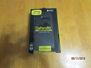 OTTER BOX DEFENDER - NEW