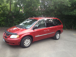 2001 Wheelchair-Accessible Dodge Caravan Sport Minivan