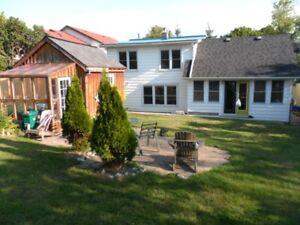 Great 4 br House In Best Neighbourhood Kingston