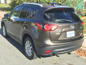 2106 Mazda CX-5 GSL Leather AWD 2.5l sunroof hitch roof rack