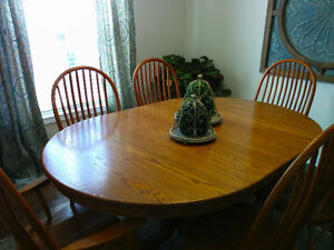 Solid Oak Dining Table & Buffet Peterborough Peterborough Area image 2