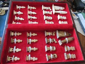 Jeux d'échec en ivoire et os
