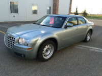 2005 Chrysler 300-Series/ FULLY LOADED/ NO ACCIDENTS/