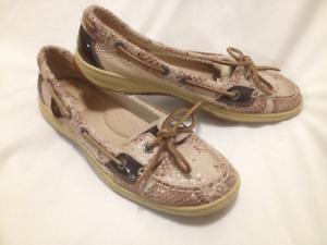 Ladies Beige Leather Sperry Topsider Deck Shoes Size 9M