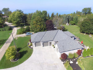 LUXURIOUS GRAND BEND BEACH HOME WITH HOT TUB FOR RENT