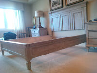 Queen Bed Frame Pennsylvania House Solid Wood