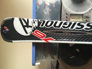 Rossignal Downhill skis