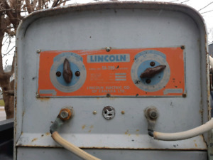 Lincoln Electric SA 200 Welder