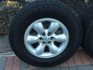 Dodge Dakota Sport OEM Rims and Tires 245/70/16