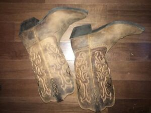 Ladies justin cowboy boots, 8.5, barely worn