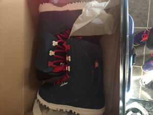 DC women's snowboarding boots