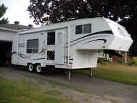 2005 Frontier 5th Wheel/Hitch