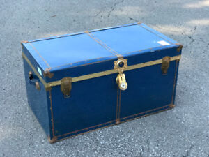 Vintage Blue Steam Trunk in nice condition