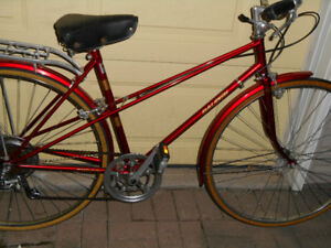 LADYS CANDY APPLE RED RALEIGH SPRITE CRUISER